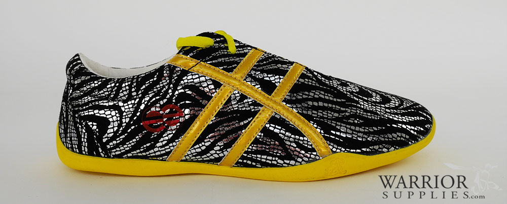 Leather Wushu shoes - black golden stripes
